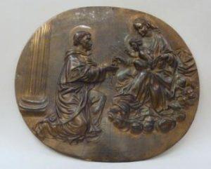 Bronzen penning met Maria en Dominicus - afbeelding Museum Catharijineconvent, ABM m1622a