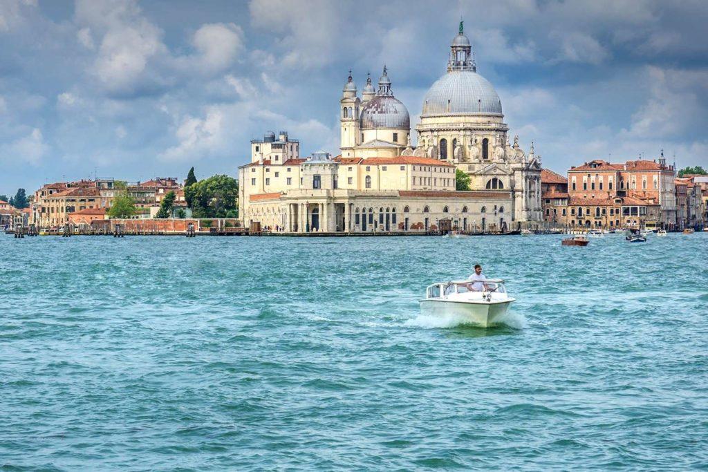 Panorama van Venetië vanaf het water