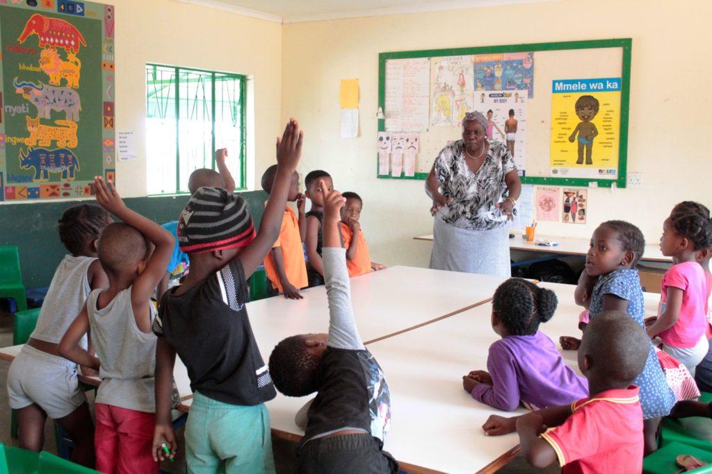Foto schoolkinderen in een Afrikaanse school